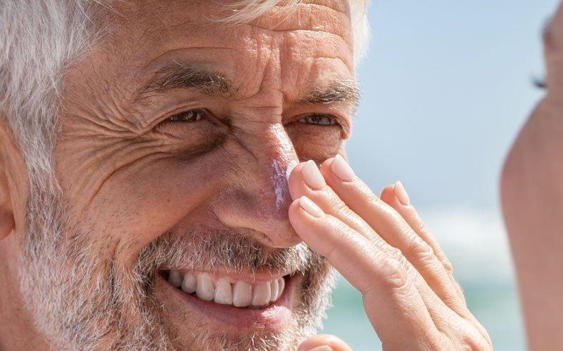 el uso de protector solar en pieles grasas