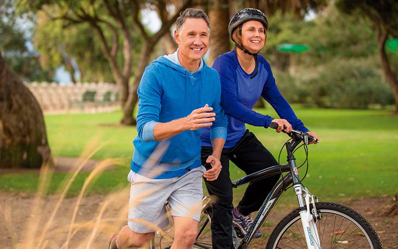 ejercicio de intensidad media a vigorosa y duración moderada 30 a 45 minutos