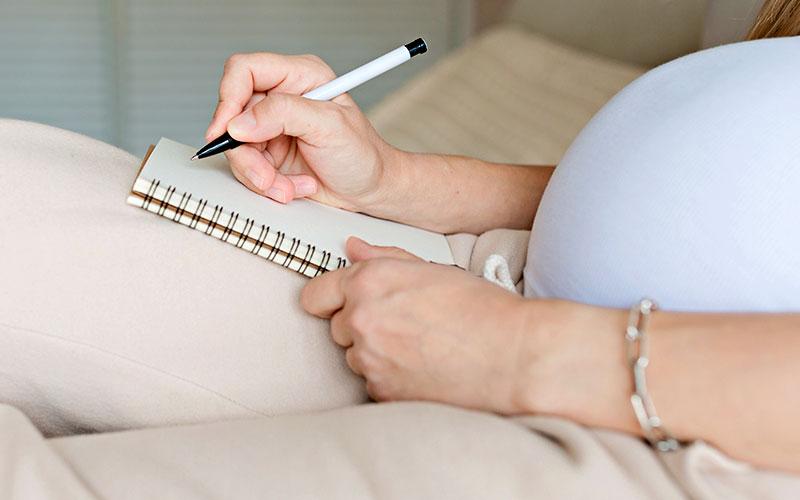 Un seguro de gastos médicos mayores puede abarcar maternidad